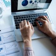 چرا به یک مشاوره تجارت الکترونیک در شغل خود نیازمندیم